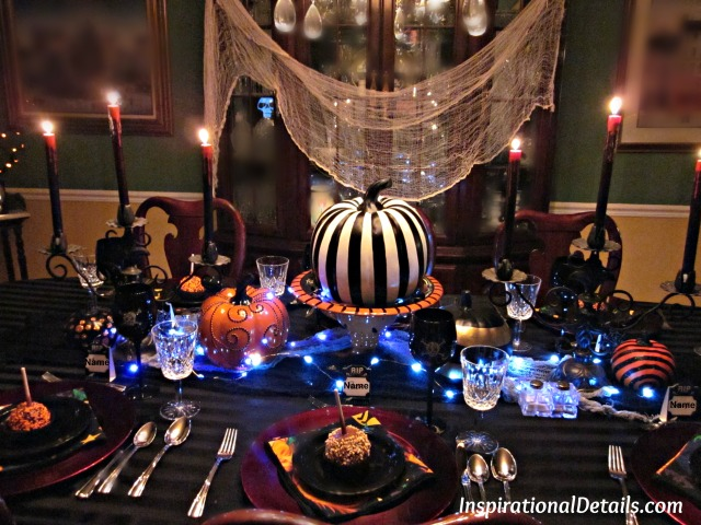 Halloween dinner table ideas