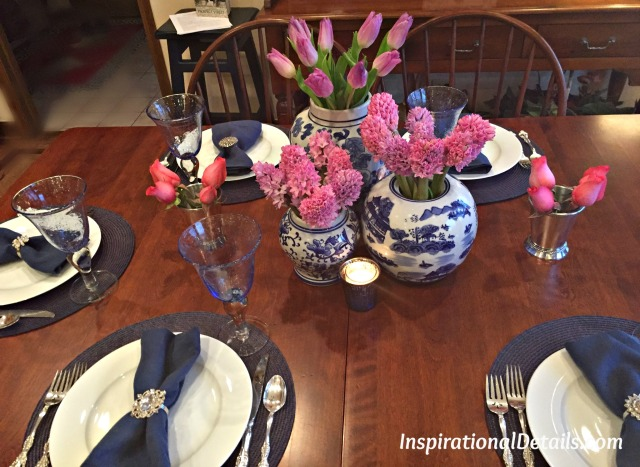 blue & white tablescape ideas