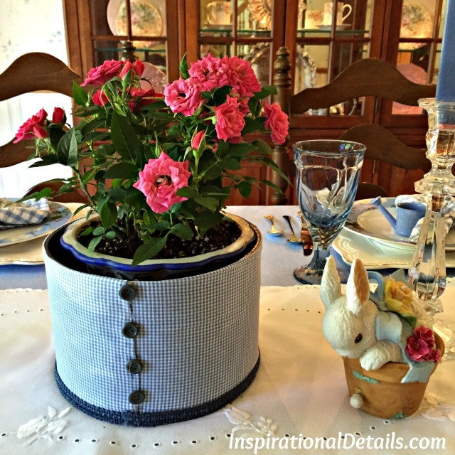blue spring/summer tablescape