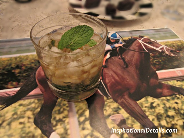 derby party drinks - mint juleps
