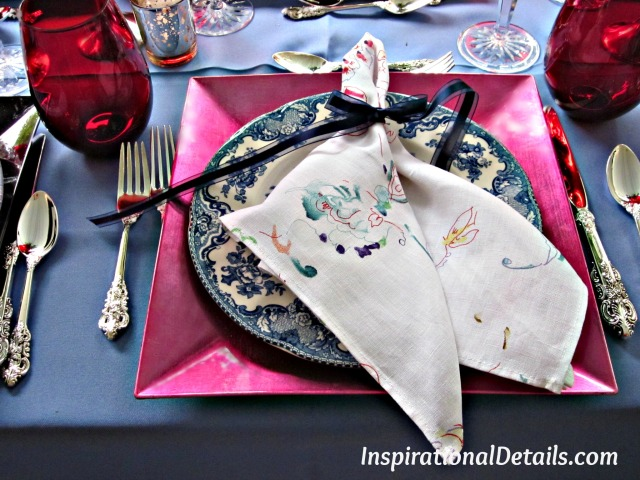 tablescape ideas blue and red