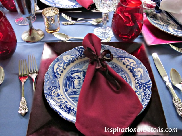 tabllescape ideas with blue and red