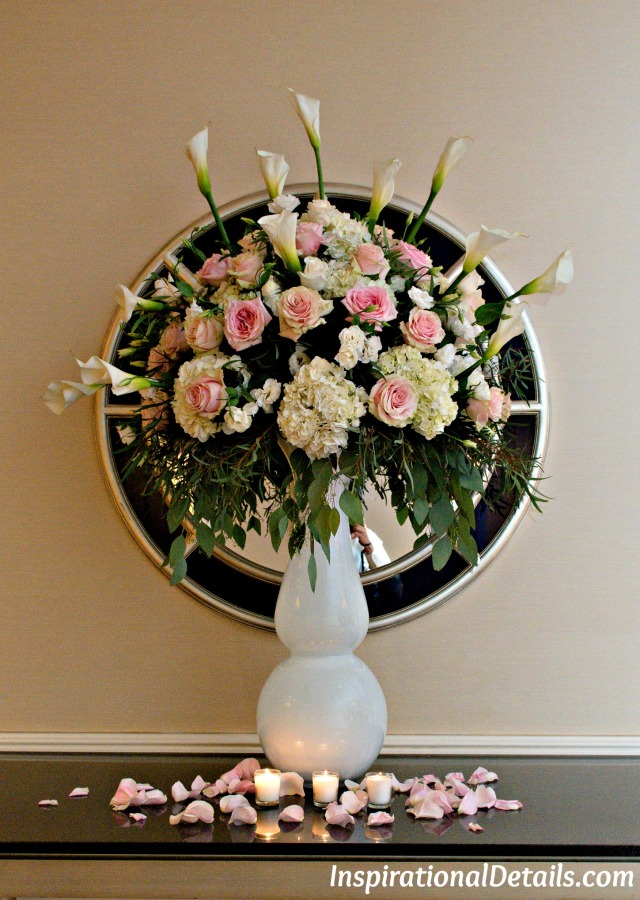 gorgeous wedding floral arrangements